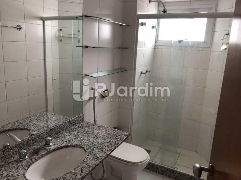 Banheiro social - Apartamento Rua Visconde de Silva,Botafogo, Zona Sul,Rio de Janeiro, RJ À Venda, 3 Quartos, 102m² - LAAP32223 - 18