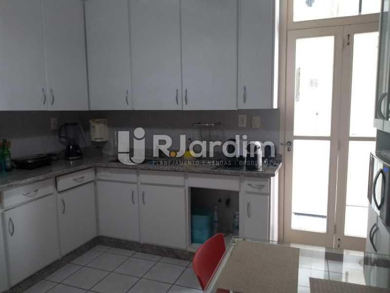 cozinha / área  - Apartamento À Venda - Ipanema - Rio de Janeiro - RJ - LAAP32233 - 25