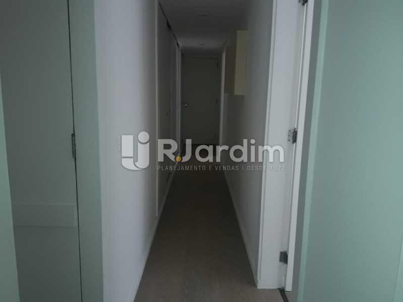 Corredor com armários - Apartamento Para Alugar - Ipanema - Rio de Janeiro - RJ - LAAP32235 - 9