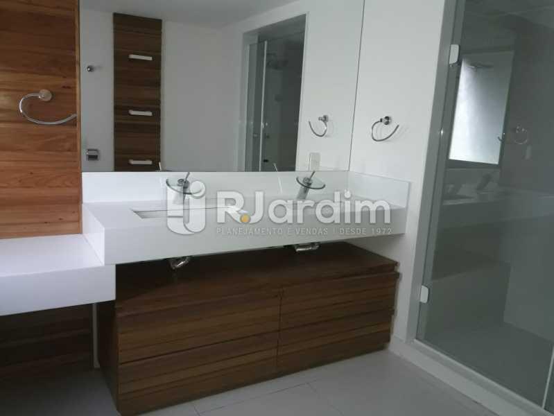 Banheiro da suíte  - Apartamento Para Alugar - Ipanema - Rio de Janeiro - RJ - LAAP32235 - 20