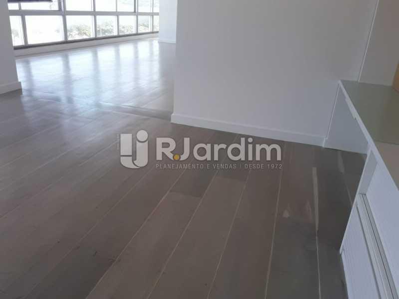 Continuação da sala  - Apartamento Para Alugar - Ipanema - Rio de Janeiro - RJ - LAAP32235 - 1