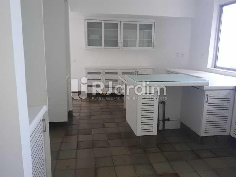 Cozinha planejada - Apartamento Para Alugar - Ipanema - Rio de Janeiro - RJ - LAAP32235 - 26