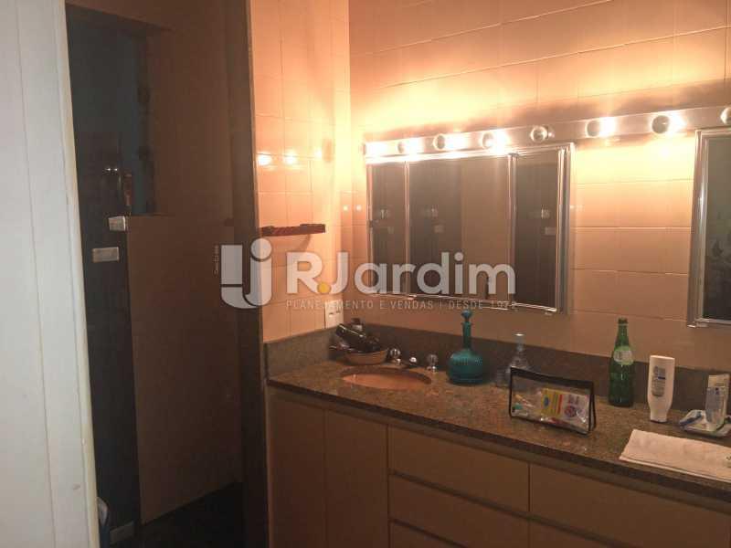 Banheiro 1 - Apartamento À Venda - Copacabana - Rio de Janeiro - RJ - LAAP32236 - 21