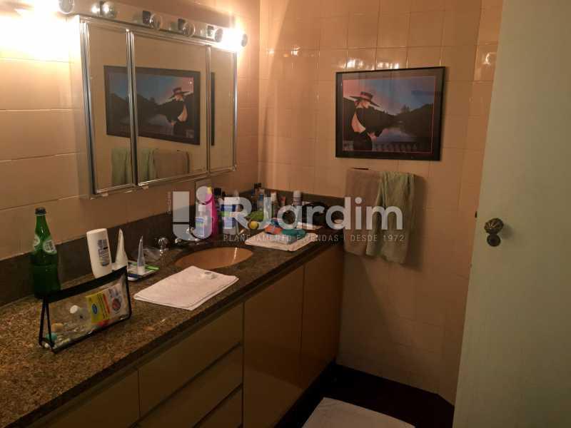 Banheiro 1 - Apartamento À Venda - Copacabana - Rio de Janeiro - RJ - LAAP32236 - 22