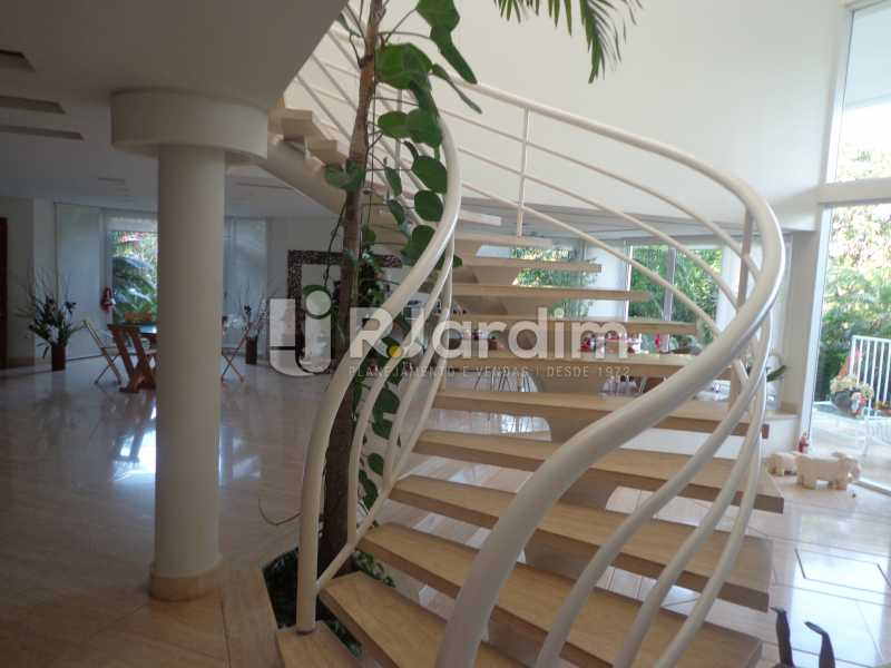 Acesso 2º piso - Casa em Condominio À Venda - Barra da Tijuca - Rio de Janeiro - RJ - LACN50012 - 16
