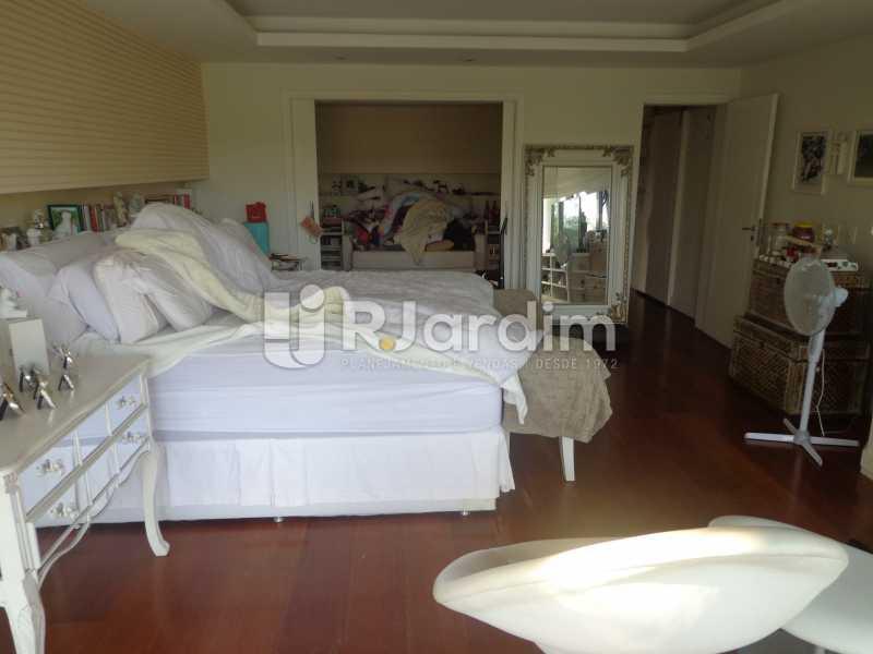 Suíte Master Principal - Casa em Condominio À Venda - Barra da Tijuca - Rio de Janeiro - RJ - LACN50012 - 22