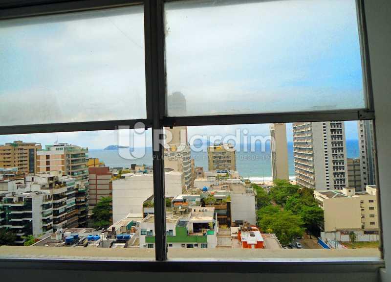 vista sala - Apartamento À Venda - Leblon - Rio de Janeiro - RJ - LAAP10399 - 4