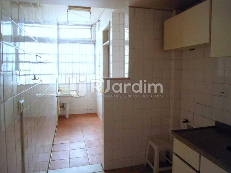 cozinha e área - Apartamento À Venda - Leblon - Rio de Janeiro - RJ - LAAP10399 - 15