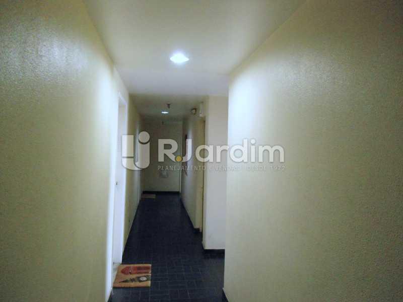 corredor do andar - Apartamento À Venda - Leblon - Rio de Janeiro - RJ - LAAP10399 - 19