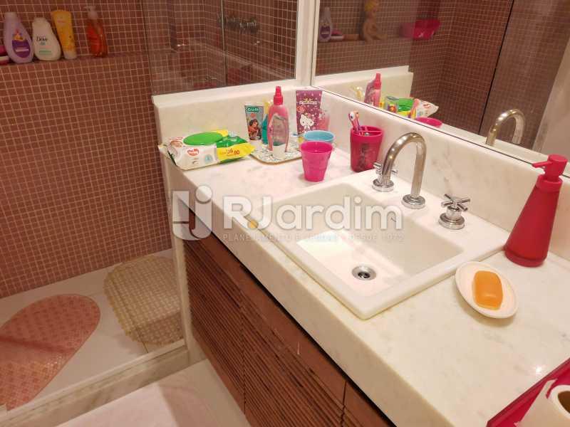 BANHEIRO SUÍTE - Apartamento Barra da Tijuca 4 Quartos - LAAP40826 - 22