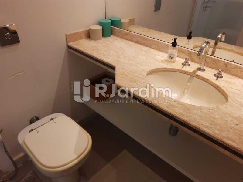 BANHEIRO SOCIAL - Apartamento Barra da Tijuca 4 Quartos - LAAP40826 - 24