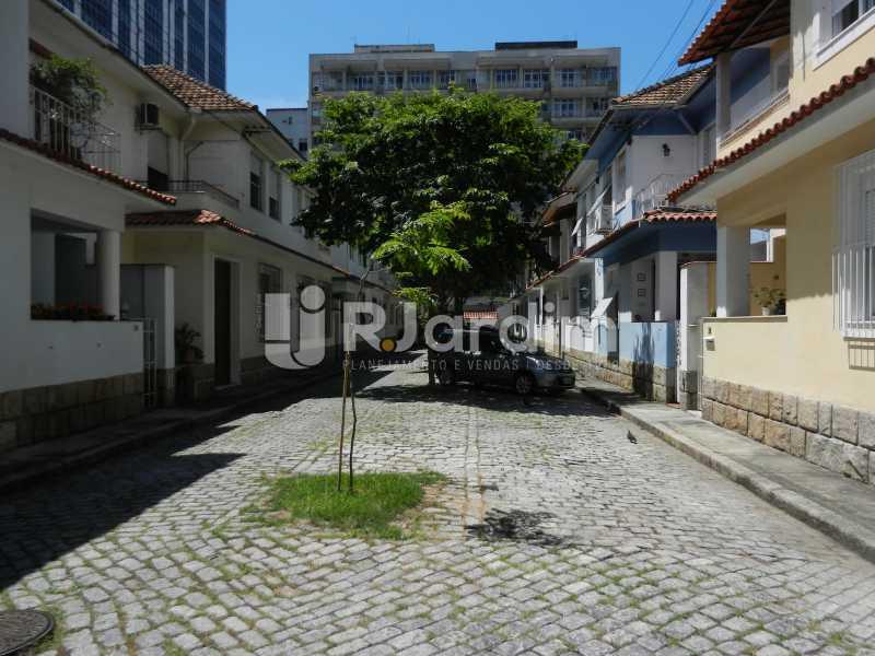 rua - Casa Triplex Residencial Botafogo 5 Quartos Garagem Compra Venda Avaliação Imóveis - LACV50002 - 1