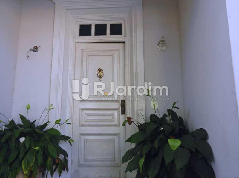 entrada - Casa Triplex Residencial Botafogo 5 Quartos Garagem Compra Venda Avaliação Imóveis - LACV50002 - 4
