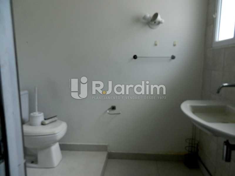 banho terraço - Casa Triplex Residencial Botafogo 5 Quartos Garagem Compra Venda Avaliação Imóveis - LACV50002 - 28