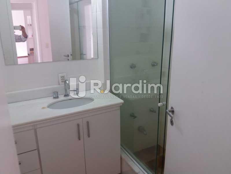 Banheiro suíte - Apartamento Rua Pinheiro Guimarães,Botafogo, Zona Sul,Rio de Janeiro, RJ À Venda, 2 Quartos, 86m² - LAAP21634 - 8