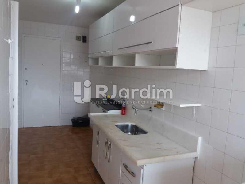 Cozinha - Apartamento Rua Pinheiro Guimarães,Botafogo, Zona Sul,Rio de Janeiro, RJ À Venda, 2 Quartos, 86m² - LAAP21634 - 14