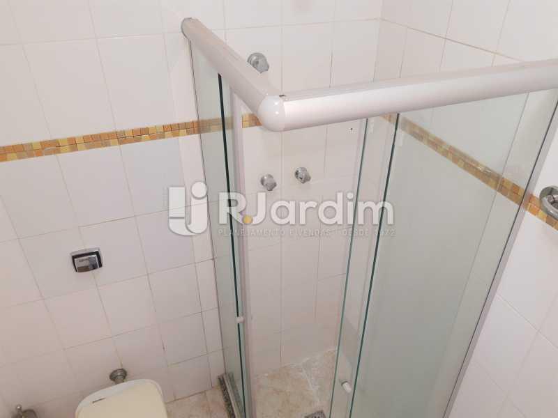 banheiro social - Apartamento Rua Santa Clara,Copacabana, Zona Sul,Rio de Janeiro, RJ À Venda, 3 Quartos, 120m² - LAAP32276 - 16