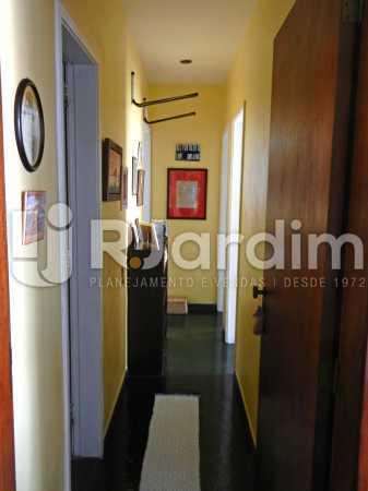 circulação - Cobertura Duplex Barra da Tijuca 2 Quartos - LACO20112 - 10