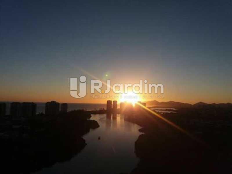 vista varanda - Cobertura Duplex Barra da Tijuca 2 Quartos - LACO20112 - 31