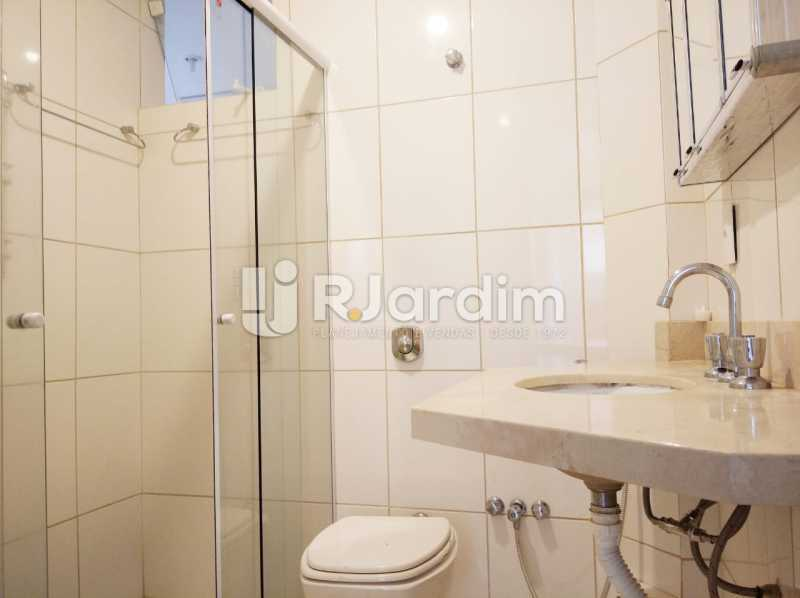 banheiro social - apartamento com 2 quartos, frente, jardim botanico - LAAP21656 - 9