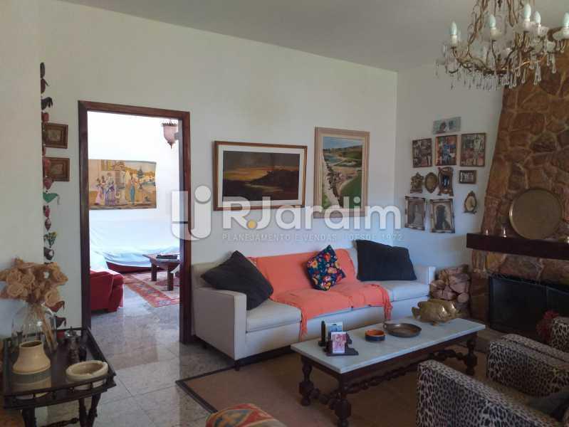 SALA DE ESTAR DETALHE 2 - Casa em Condomínio Quitandinha Petrópolis - LACN50013 - 7