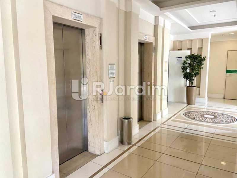 Hall de entrada - Apartamento À Venda Avenida Vice Presidente Jose Alencar,Barra da Tijuca, Zona Oeste - Barra e Adjacentes,Rio de Janeiro - R$ 520.000 - LAAP21663 - 17