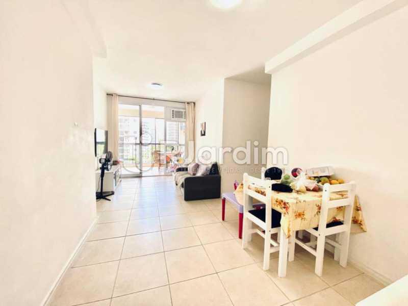 sala - Apartamento À Venda Avenida Vice Presidente Jose Alencar,Barra da Tijuca, Zona Oeste - Barra e Adjacentes,Rio de Janeiro - R$ 520.000 - LAAP21663 - 8