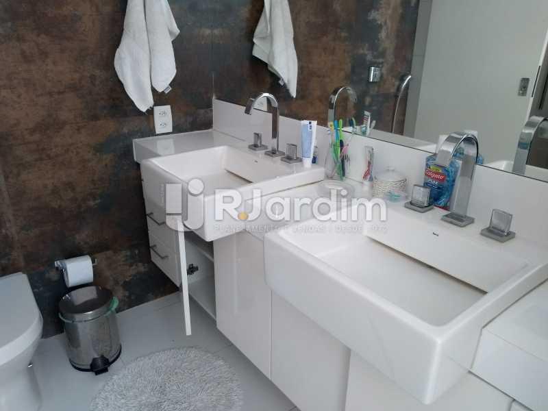 banheiro social  - Apartamento Copacabana 3 Quartos - LAAP32317 - 15
