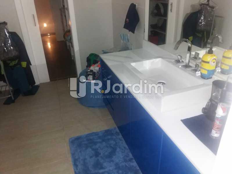 banheiro suíte - Casa Gávea, Zona Sul,Rio de Janeiro, RJ À Venda, 7 Quartos, 900m² - LACA70001 - 9
