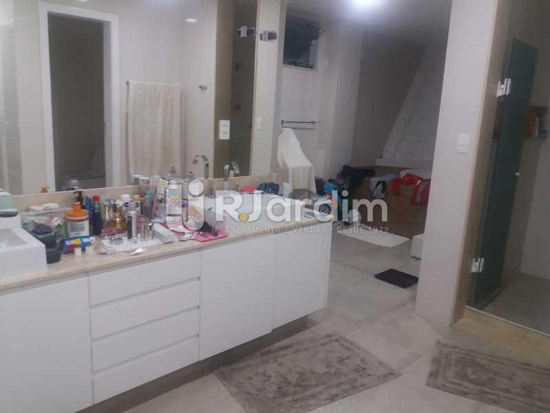 Banheiro suíte  - Casa Gávea, Zona Sul,Rio de Janeiro, RJ À Venda, 7 Quartos, 900m² - LACA70001 - 26