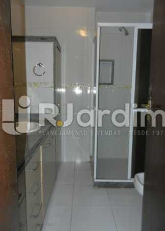 banheiro suite 1 - Apartamento Copacabana 3 Quartos Aluguel Administração Imóveis - LAAP32367 - 13