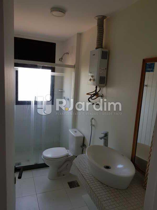 Banheiro - Apartamento Avenida Lúcio Costa,Barra da Tijuca, Zona Oeste - Barra e Adjacentes,Rio de Janeiro, RJ À Venda, 1 Quarto, 72m² - LAAP10426 - 12