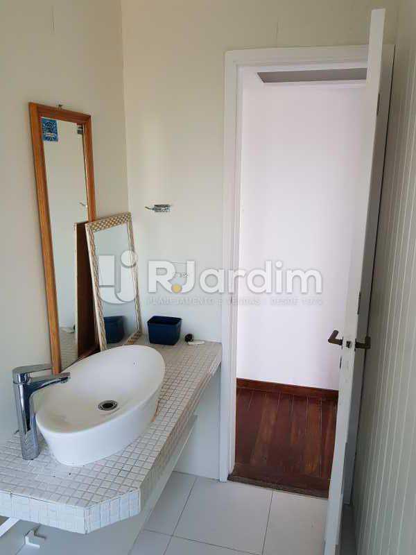 Banheiro - Apartamento Avenida Lúcio Costa,Barra da Tijuca, Zona Oeste - Barra e Adjacentes,Rio de Janeiro, RJ À Venda, 1 Quarto, 72m² - LAAP10426 - 14