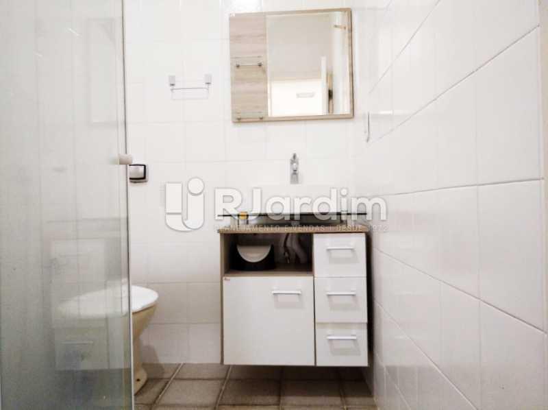 banheiro social - Apartamento para alugar Avenida Rainha Elizabeth da Bélgica,Copacabana, Zona Sul,Rio de Janeiro - R$ 3.400 - LAAP32388 - 14
