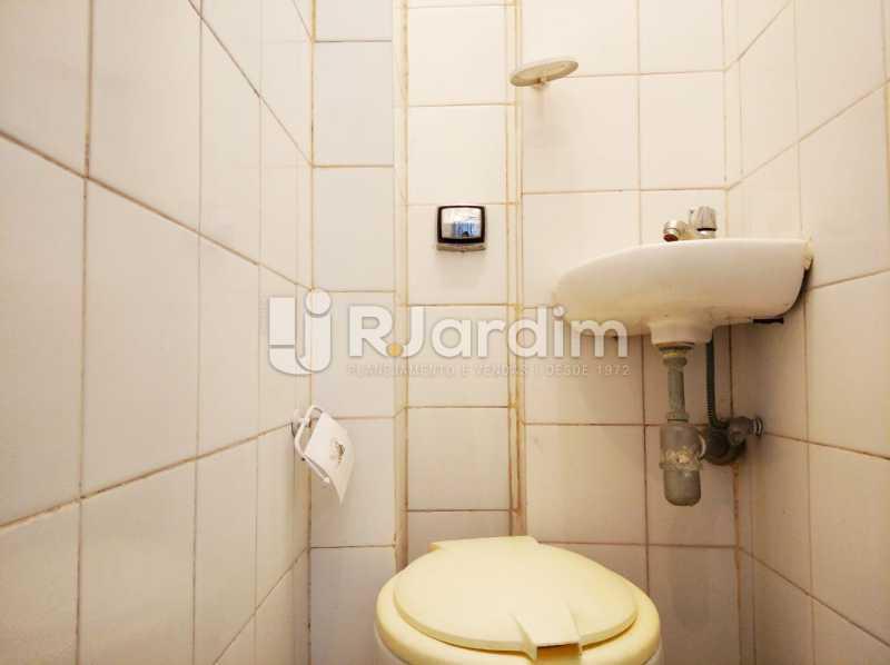 banheiro de serviço - Apartamento para alugar Avenida Rainha Elizabeth da Bélgica,Copacabana, Zona Sul,Rio de Janeiro - R$ 3.400 - LAAP32388 - 18
