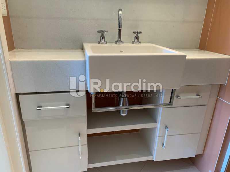 Banheiro com armário - Apartamento à venda Rua Marquês de São Vicente,Gávea, Zona Sul,Rio de Janeiro - R$ 1.150.000 - LAAP10430 - 9