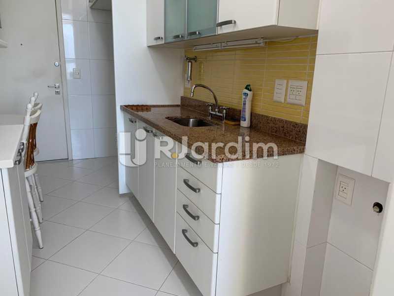Cozinha com armário - Apartamento à venda Rua Marquês de São Vicente,Gávea, Zona Sul,Rio de Janeiro - R$ 1.150.000 - LAAP10430 - 14