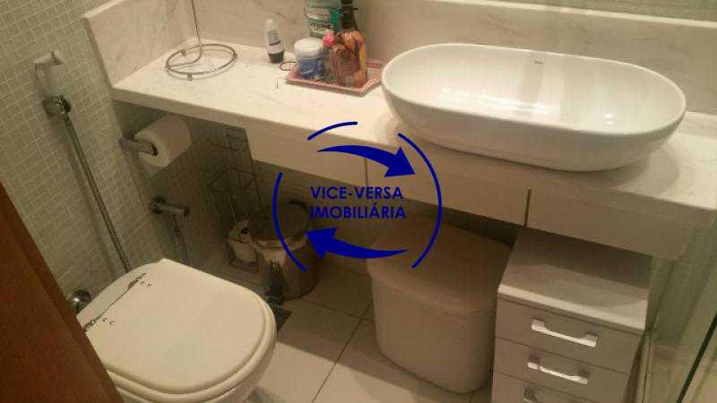 banheiro-social - Apartamento À venda em Ipanema - 3 quartos (suíte), dependências reversíveis e vaga! - 1197 - 23