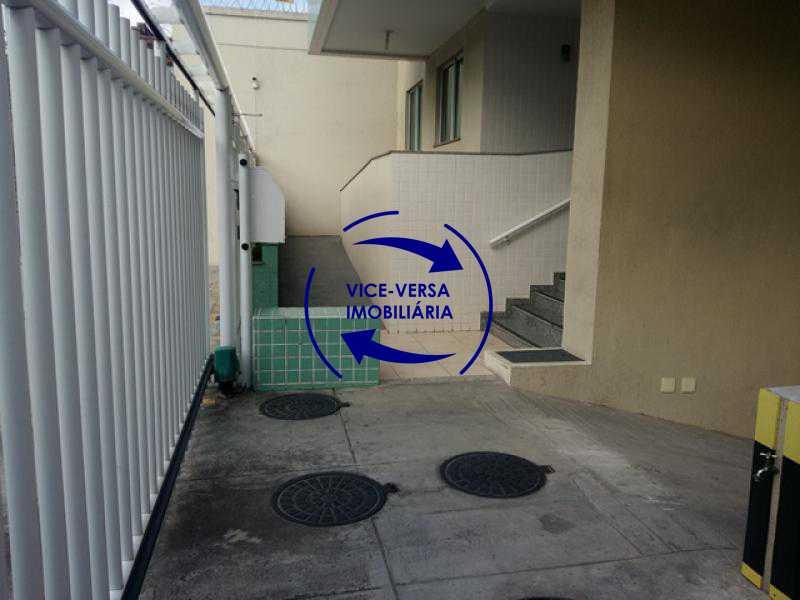 frente-do-edificio - Apartamento À venda em Todos os Santos - sala, 2 quartos, área de serviço, vaga! - 1057-5 - 4