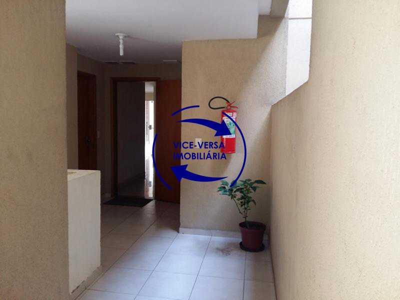 entrada-de-servico - Apartamento À venda em Todos os Santos - sala, 2 quartos, área de serviço, vaga! - 1057-5 - 9
