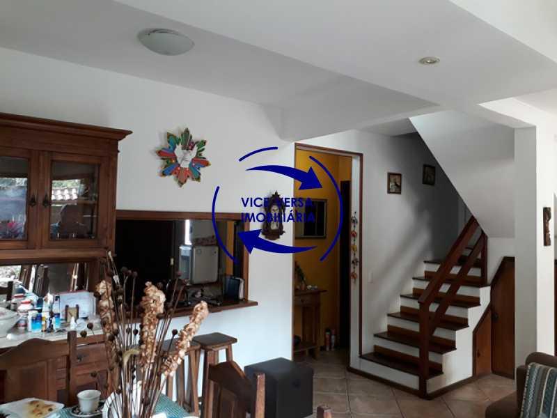 sala - Casa À venda na Freguesia - Suíça Carioca II, rua Luís Severiano Ribeiro! Estilo colonial, lavabo, 2 suítes, armários, closet, varanda, lavanderia,espaço gourmet! - 1288 - 5