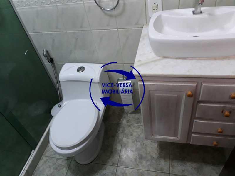 banheiro-social - Casa À venda na Freguesia - Suíça Carioca II, rua Luís Severiano Ribeiro! Estilo colonial, lavabo, 2 suítes, armários, closet, varanda, lavanderia,espaço gourmet! - 1288 - 10