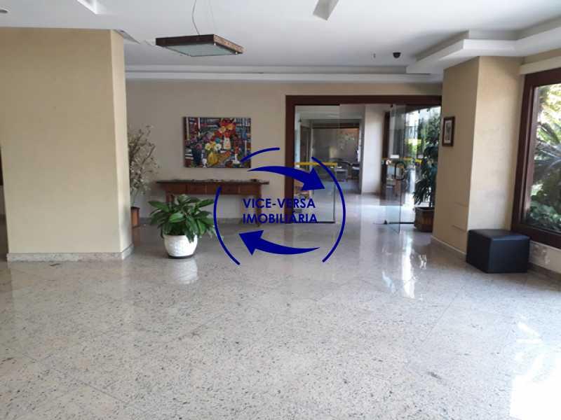 portaria - Flat À venda no Jardim Oceânico - Avenida do Pepê! Sala 2 ambientes, varanda, cozinha, área de serviço, com splits! - 1293 - 4
