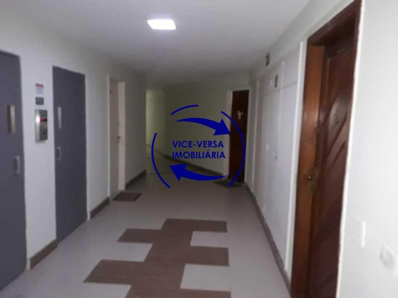 hall-do-andar - Flat À venda no Jardim Oceânico - Avenida do Pepê, splits na sala e no quarto, varanda, cozinha, área de serviço! - 1293 - 5