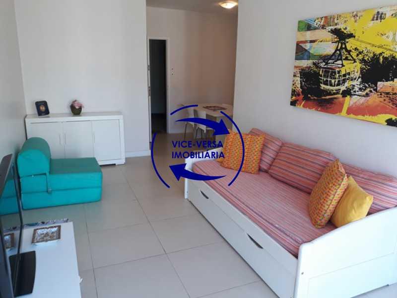 sala - Flat À venda no Jardim Oceânico - Avenida do Pepê! Sala 2 ambientes, varanda, cozinha, área de serviço, com splits! - 1293 - 6