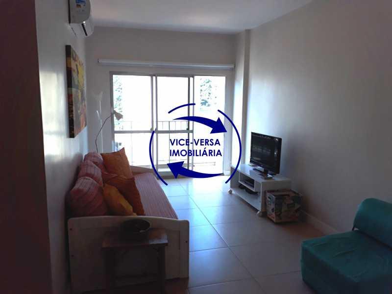 sala - Flat À venda no Jardim Oceânico - Avenida do Pepê! Sala 2 ambientes, varanda, cozinha, área de serviço, com splits! - 1293 - 7
