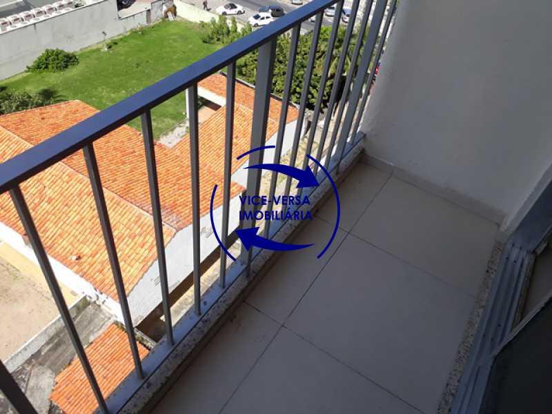 varanda - Flat À venda no Jardim Oceânico - Avenida do Pepê, splits na sala e no quarto, varanda, cozinha, área de serviço! - 1293 - 8