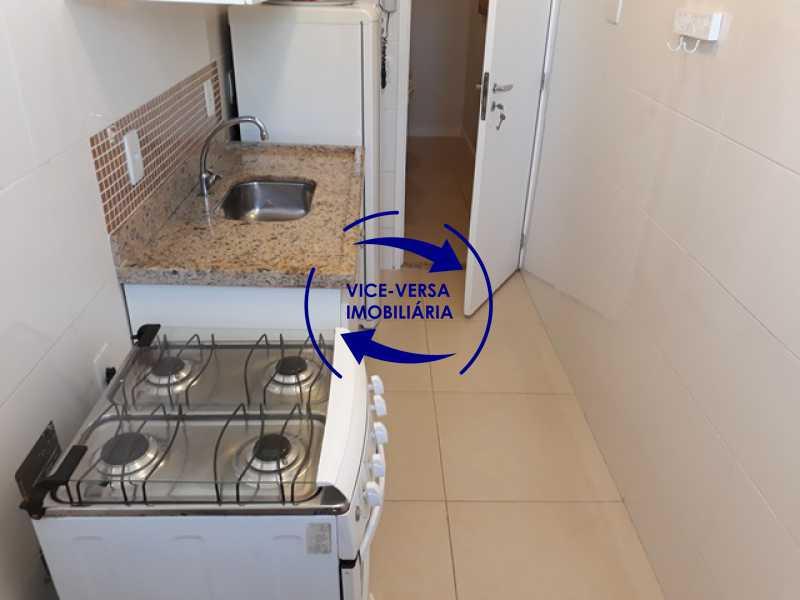 cozinha - Flat À venda no Jardim Oceânico - Avenida do Pepê, splits na sala e no quarto, varanda, cozinha, área de serviço! - 1293 - 16