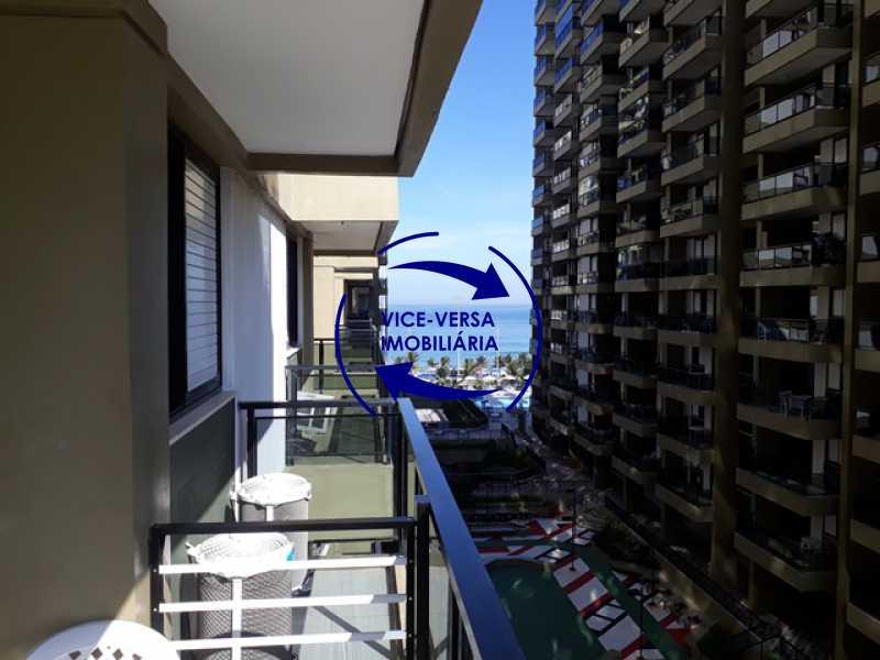varanda - Apart Hotel Barrabella. Praia da Barra. Avenida Lúcio Costa. Varandas. Infraestrutura total - lazer, serviços, segurança. - 1295 - 4