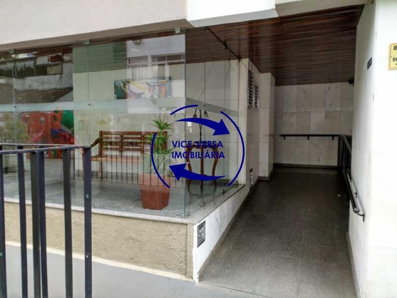 portaria-acesso-cadeirantes - Apartamento 2 quartos À venda na Tijuca - colado À Praça Saens Pena, comércio, bancos e metrô! Box blindex, quarto de empregada revertido! - 1299 - 8